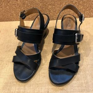 Sofft Black Leather Sandals Size 10 M